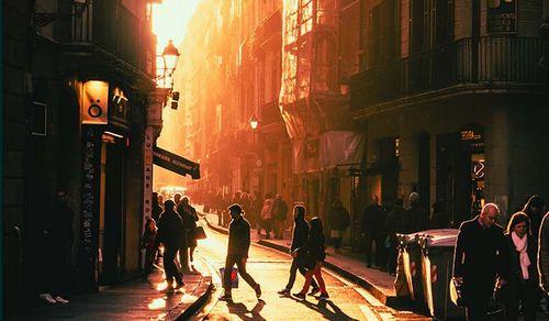 バルセロナ:地域社会のきずなを結ぶタイムバンク